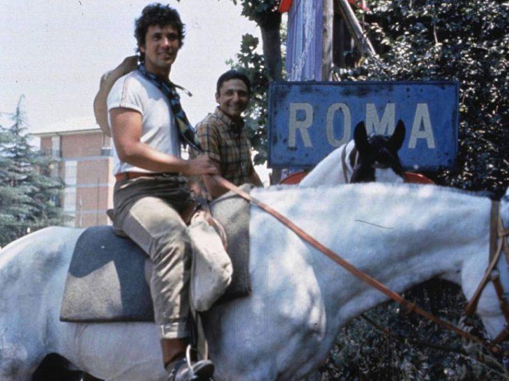 Foto Battisti e Mogol a cavallo Palio2018