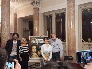 Il cast de Il barone rampante. Da (sx) Il barone Rampante (da sx) Andrea bruno Savelli, Manola Nifosì, Chiara Francini, Amerigo Fontani
