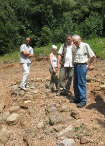 da destra prof. camporeale scavi lago dell'accesa