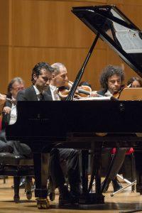 Roberto Cominati al pianoforte©Rocco_Casaluci_2015