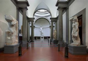Galleria-dell'Accademia-di-Firenze—Tribuna2