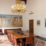 La sala con opere del Novecento (sullo sfondo Giovanni Colacicchi, a des…