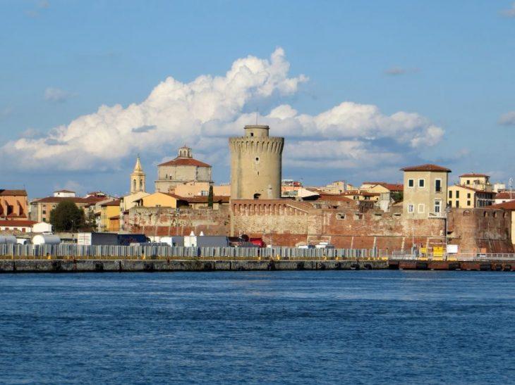 Livorno_panorama_dal_molo_mediceo_2