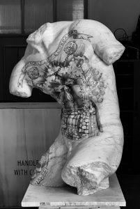 Kouros, 2019, marmo bianco e pigmenti, cm 87x56x51