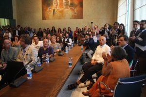 Foto delegazione con guru indiano Pietrasanta