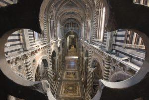 Navata-centrale_Duomo-Siena