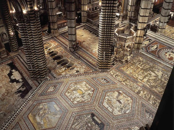 Veduta-del-pavimento-dall-alto_Duomo-Siena