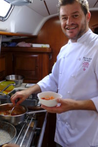 Chef Peter Brunel cucina in barca