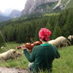 In questo mondo di Anna Kauber – locandina