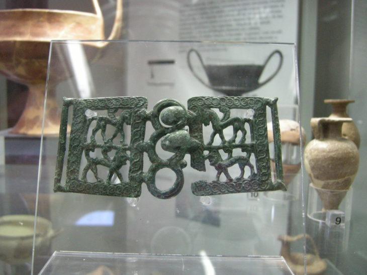 Museo archeologico di massa_marittima fibbia etrusca (2)