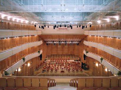 04-auditorium-palco