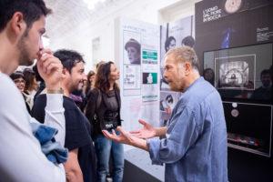 3 LOW – I Giganti – Gabriele Lavia inaugura la mostra Il figlio del Caos_ ph. Filippo Manzini