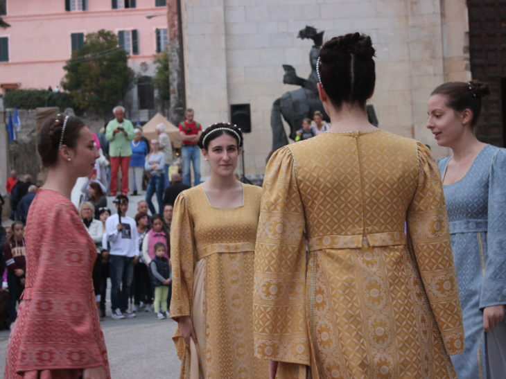 Foto danze medievali Pietrasanta