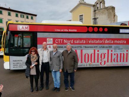 Foto autobus brandizzato