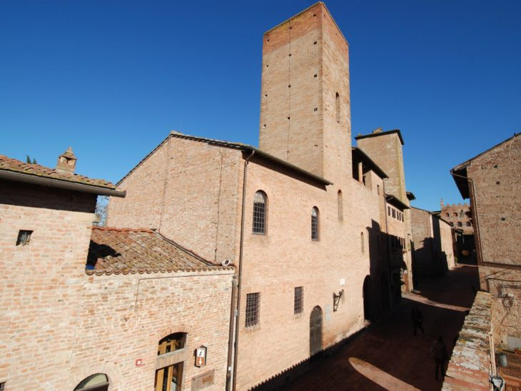 03) Esterno di casa Boccaccio – veduta da Via Boccaccio