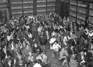 Poli nella Sala Ferri del Gabinetto Vieusseux, 1999