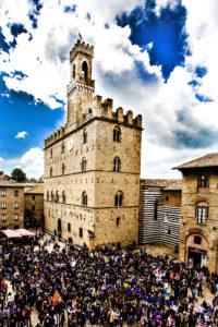 Foto_piazza dei priori CALL_DEF COLOR_STAMPA_credit Carlo Gattai