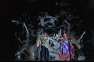 Tristan und Isolde_Tristan-Stefan Vinke_Isolde-Ann Petersen_2020_7RC6240©RoccoCasaluci