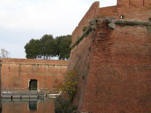 Livorno_-Fortezza_Nuova_e_fossato-
