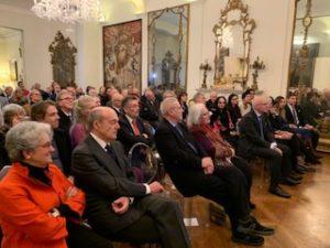 Memorial Franco Zeffirelli Londra – In prima fila Pippo Zeffirelli, Raimonda Gaetani, la famiglia d'Amico, in seconda fila Tamsin Olivier e Robert Powell